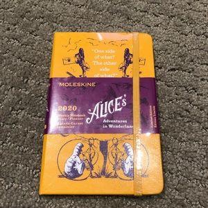 ALICE'S ADVENTURES IN WONDERLAND PLANNER